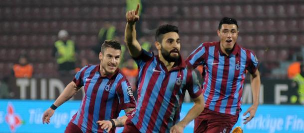 Trabzondaki gol düellosunu ev sahibi ekip kazandı