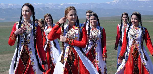 """Résultat de recherche d'images pour """"daglarda türkmen kadınlar"""""""