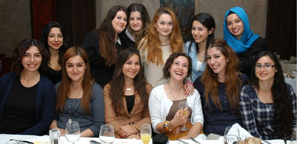 Üniversiteli gençler Türkiye'ye dönüş hazırlığında