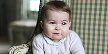Minik prenses Charlotte'nin yeni fotoğrafları