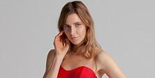 Hırvat Model Maya kırmızıyla aşka geldi