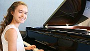 Genç Piyanist Nehir Ödüle Doymuyor