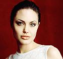 Angelina Jolie'den hayranlarını üzecek haber!