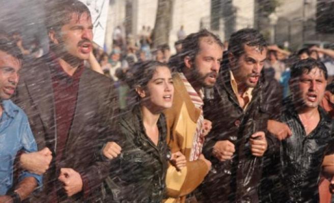 12 Eylül üzerine komik bir film : 'Bu Son Olsun'