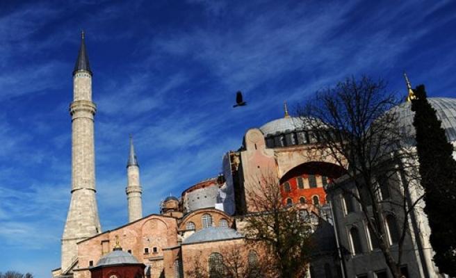 Ayasofya'da Ramazan komşuyu rahatsız etti