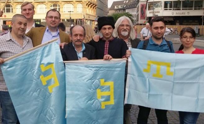 Kırım'ın işgali Frankfurt'ta protesto edildi