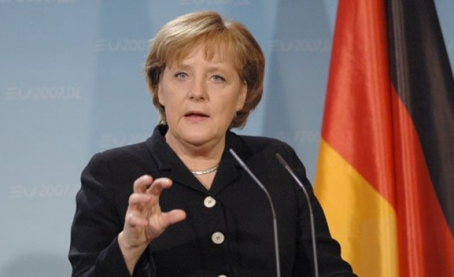 """Almanya Başbakanı Merkel: """"İngiltere'de ne olacağını beklememiz lazım"""""""