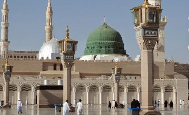 Medine'de Mescid-i Nebevi'nin önünde intihar saldırısı