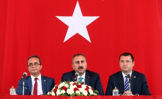 Üç parti yeni anayasa için biraraya geldi