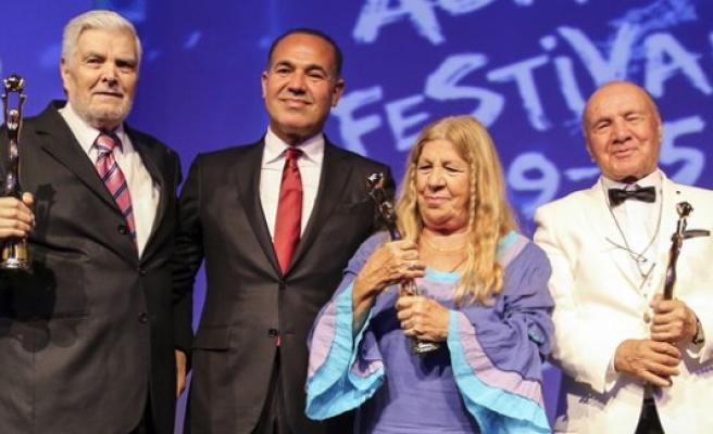 Adana Film Festivali Onur Ödülleri verildi