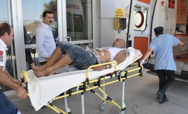Didim'de İngiliz kadın eşini bıçakladı