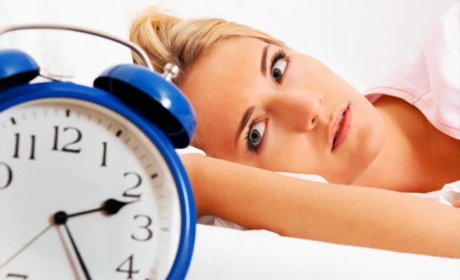 Az uyuyanların ömrü de kısalıyor!
