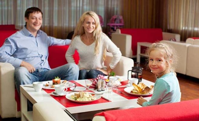 Birlikte yemek yemek aile yapısını güçlendiriyor