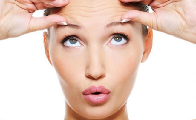 Göz kapağı düşüklüğü baş ağrısı sebebi olabilir