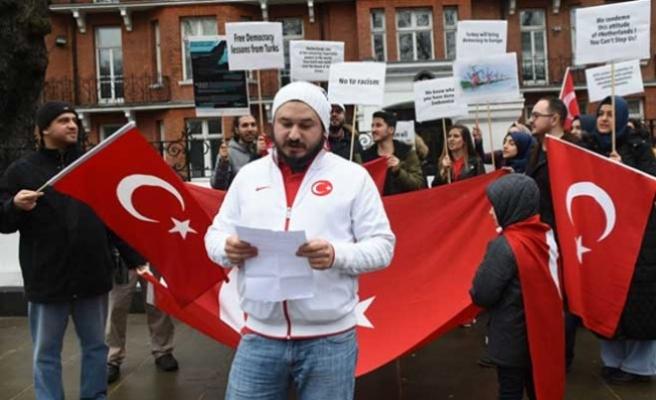 Hollanda, Londra'da protesto edildi