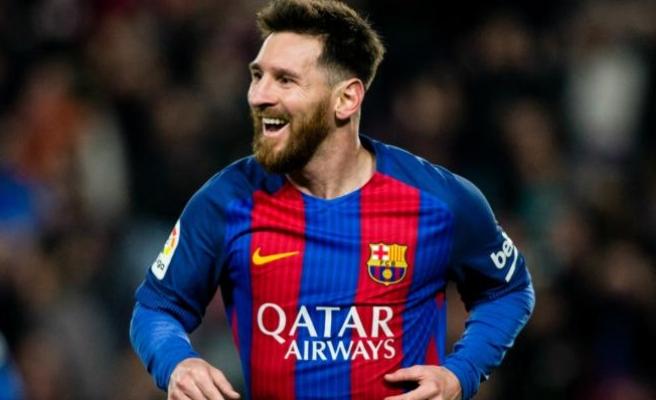 Messi Arjantin'i sırtladı