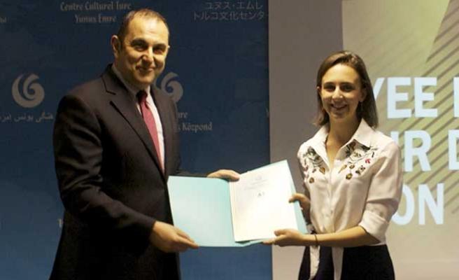 İngiltere'de Türkçe öğrenenler sertifikalarını aldı