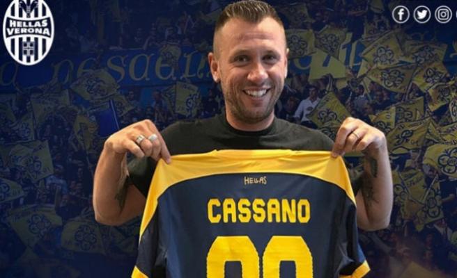 8 Gün önce Hellas Verona'ya imza attı, futbolu bıraktı