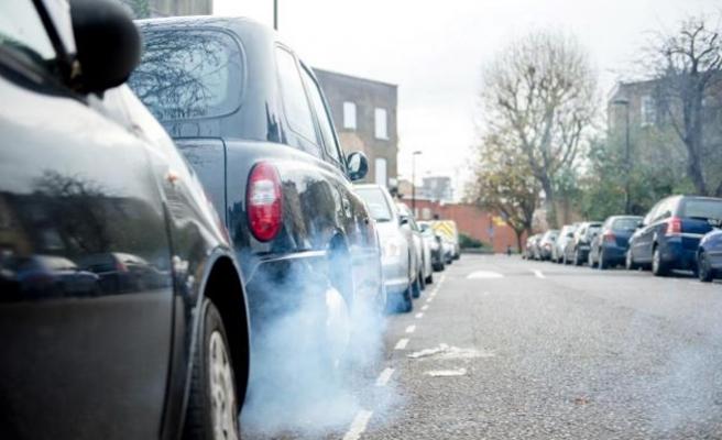 İngiltere'de dizel ve benzinli araçlara yasak geliyor