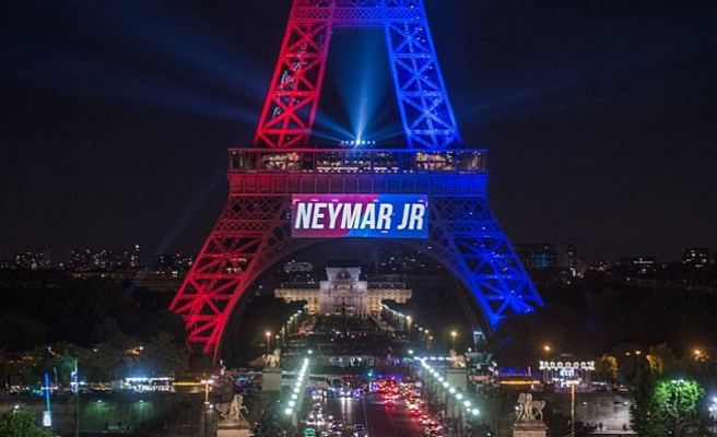 Fransa'da Neymar çılgınlığı devam ediyor
