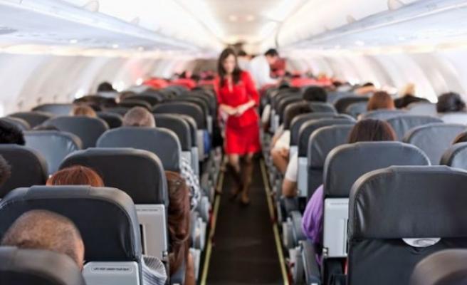 Uçakta uyuyan kadına 'cinsel saldırı' suçlaması