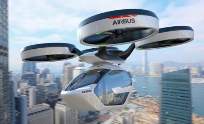 Uçan arabalar hayatımıza girmeye hazırlanıyor