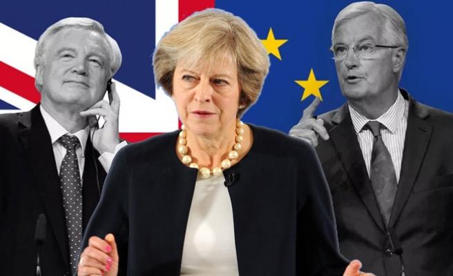 Brexit'i 'Uygulama Dönemi'nin tarihi netleşiyor