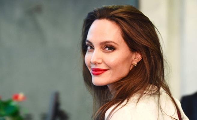 Angelina Jolie, yeni aşka yelken açtı
