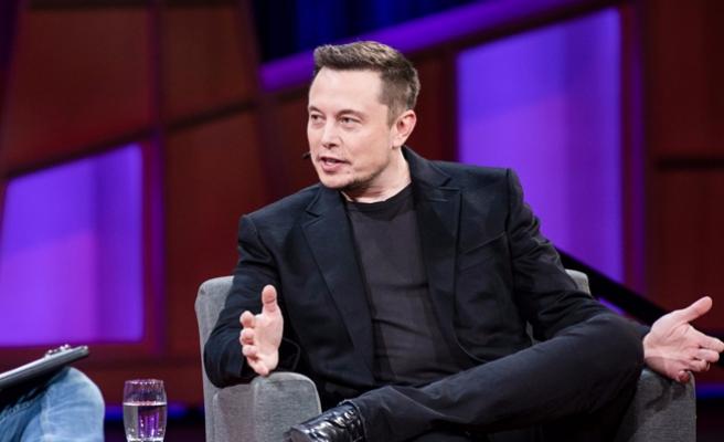 Elon Musk, Facebook'taki sayfalarını sildi