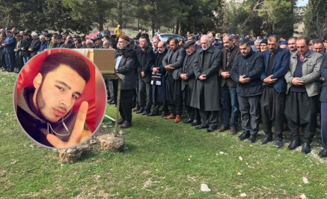 Hasan Özcan ağıtlarla memleketi Nizip'te toprağa verildi