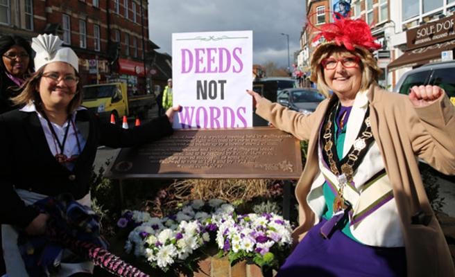 Kadınlar 100 Yıl Sonra da Mücadeleyi Sürdürüyor
