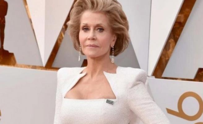 Oscar'da kadınlar, 'Times up' rozeti taktı