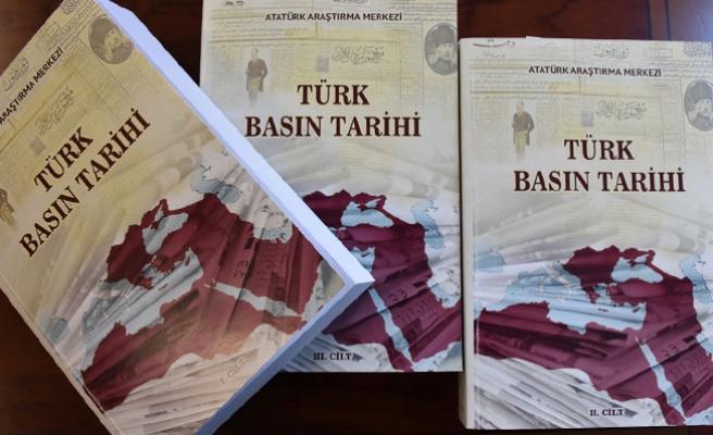 """Üç ciltlik """"Türk Basın Tarihi"""" kitabı çıktı"""