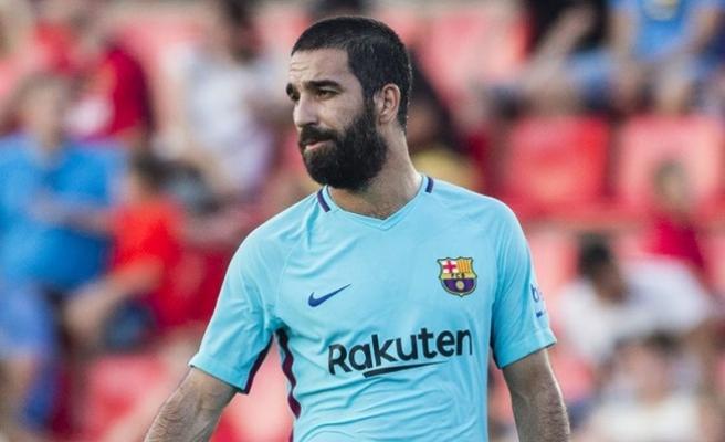 Barcelona, şampiyonluk kutlamalarında Arda Turan'ı sildi