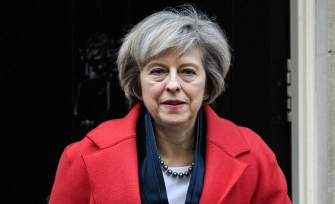 İngiltere Başbakanı May'den Esad'ın kimyasal saldırısına tepki
