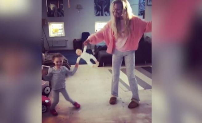 Meryem Uzerli'nin kızıyla dansı, bir günde 2 milyon tıklandı