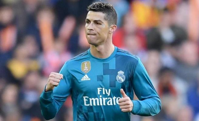 Ronaldo'dan rekor üstüne rekor