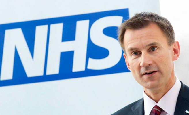 İngiltere'deki Sağlık Skandalını Bakan İtiraf Etti