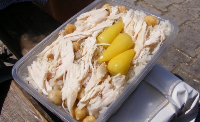 Tavuk pilav satıcıları, ayda 30 bin lira kazanıyor