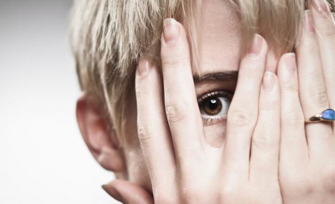 Utangaçlık mı, Sosyal Fobi mi?