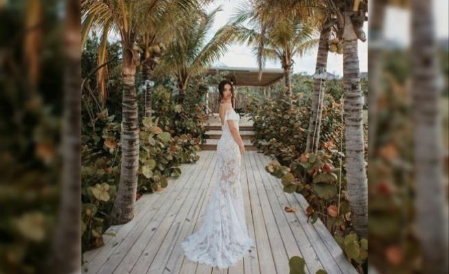 Shanina Shaik, transparan gelinlikle evlendi