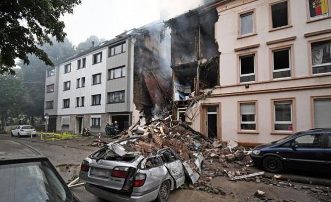 Almanya'da Patlama; Çok Sayıda Yaralı Var