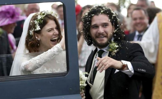 Game Of Thrones dizisinin yıldızları evlendi
