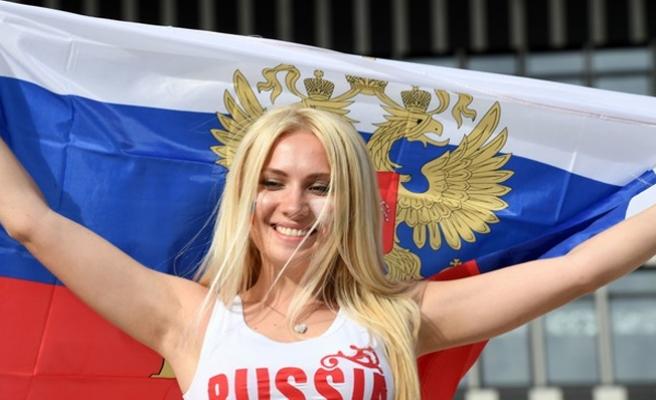 Rus Bakan Kadınları Uyardı