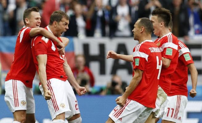 Turnuvanın açılış karşılaşmasında Rusya: 5 - Suudi Arabistan: 0