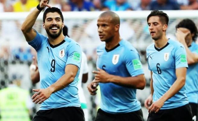 Uruguay ve Rusya Dünya Kupası'nda son 16 turunda
