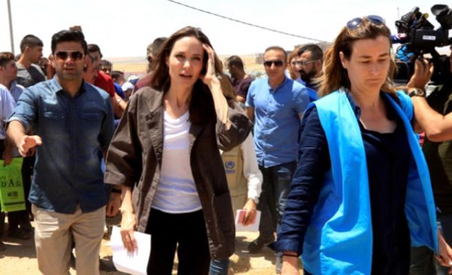 Angelina Jolie, 7'inci çocuğunu Suriye'den evlatlık alıyor