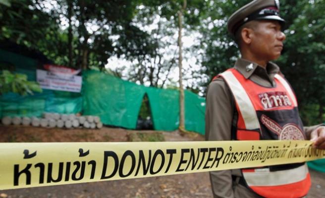 Tayland'da mağarada mahsur kalan çocuklardan 5'i kurtarıldı