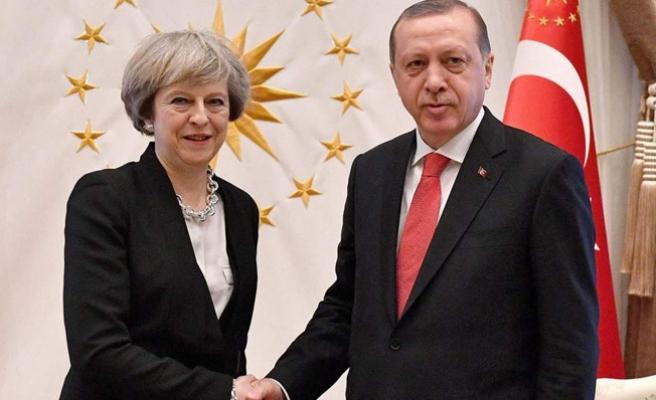 Cumhurbaşkanı Erdoğan, Birleşik Krallık Başbakanı May ile görüştü