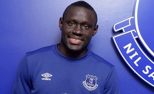 Everton taraftarı Oumar Niasse için ayağa kalktı